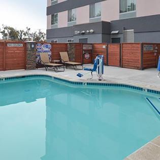 Santa Cruz Fairfield Inn Pool